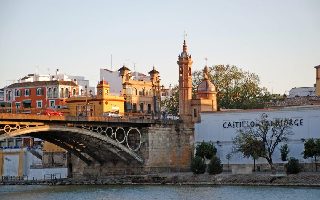Castle of San Jorge and Triana Market
